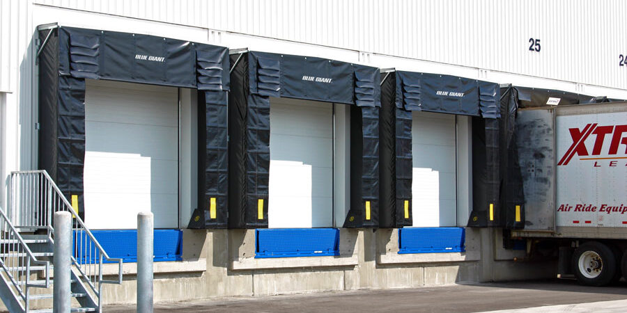 Stor-It-Loading-Docks-Shelters-Exterior_05